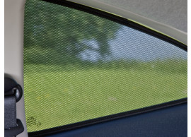ford-focus-07-2004-2011-estate-sun-blinds-for-rear-door-windows 1707811