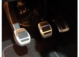 peugeot-308-Gt-pedals-9675831080