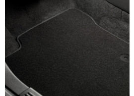ford-mondeo-03-2007-07-2012-floor-mats-standaard-front-and-rear-black 1458293
