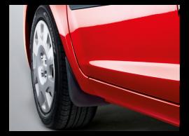 1J460ADE10 Hyundai i20 3-drs (2012 - 2015) mud flaps kit, front