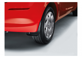 1J460ADE20 Hyundai i20 3-drs (2012 - 2015) mud flaps kit, rear