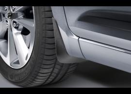 C8F46AK000 Hyundai i20 5-drs (2015 - ..) mud flaps kit, front