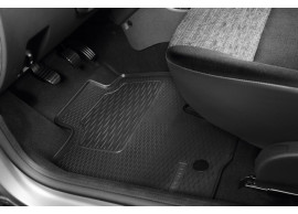 749028714R Dacia Duster 2010 - 2018 simple rubber mat (4x2 version)